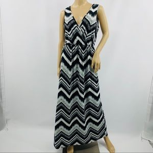 Espresso Black & White V-Neck Wrap Maxi Dress